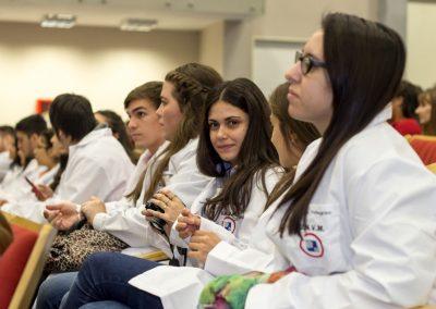 Estudiantes medicina en el auditorio