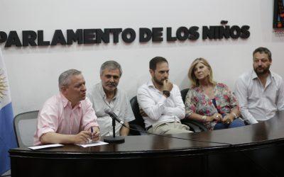 Firmaron convenio con el Ministerio de Educación