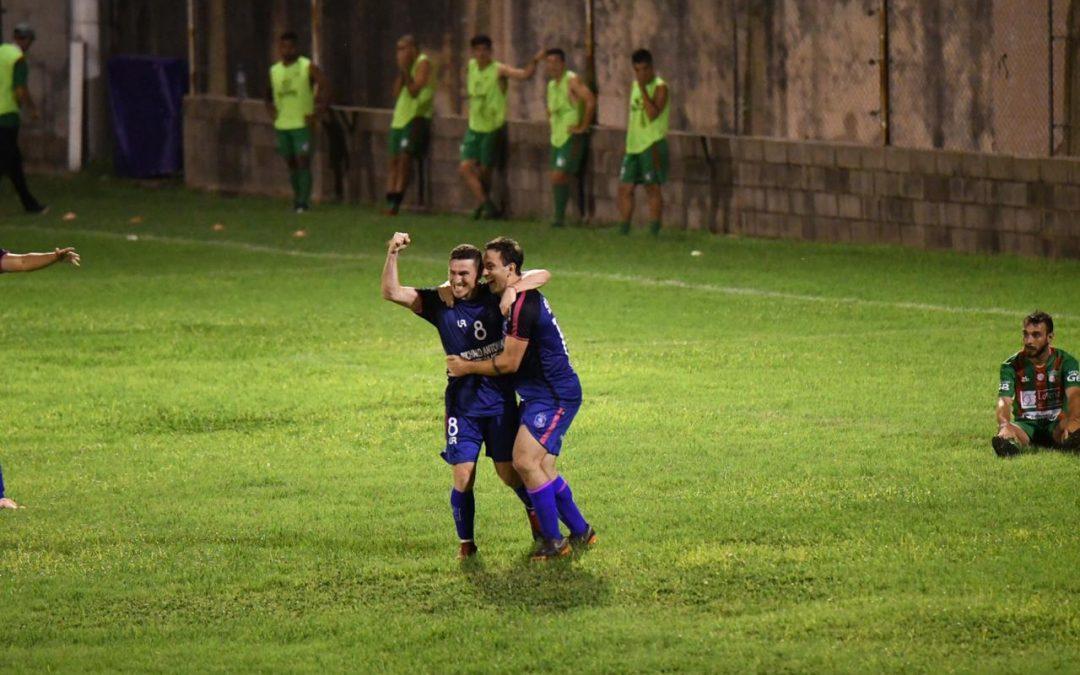 Universitario debutó con un triunfo en el Torneo Federal