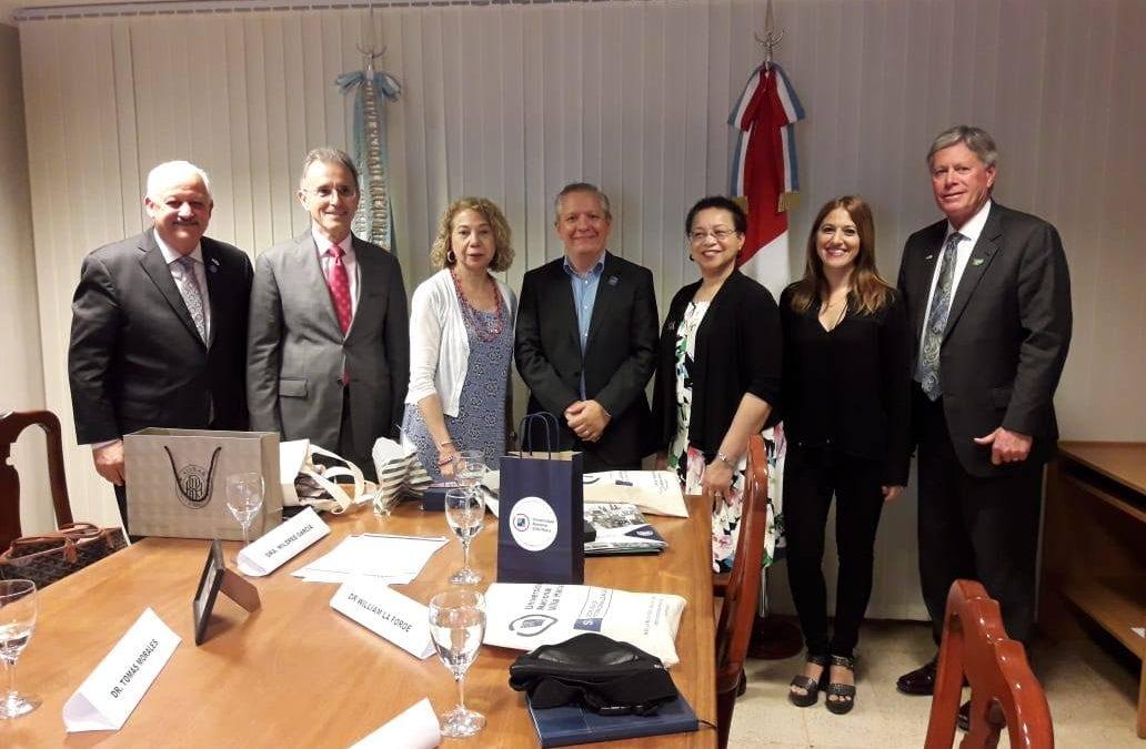 Miembros de la AASCU visitaron la UNVM