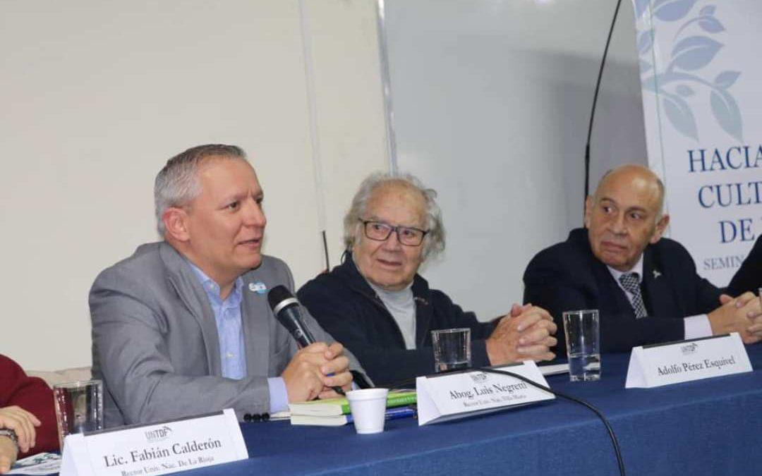 Negretti expuso junto al premio Nobel de la Paz