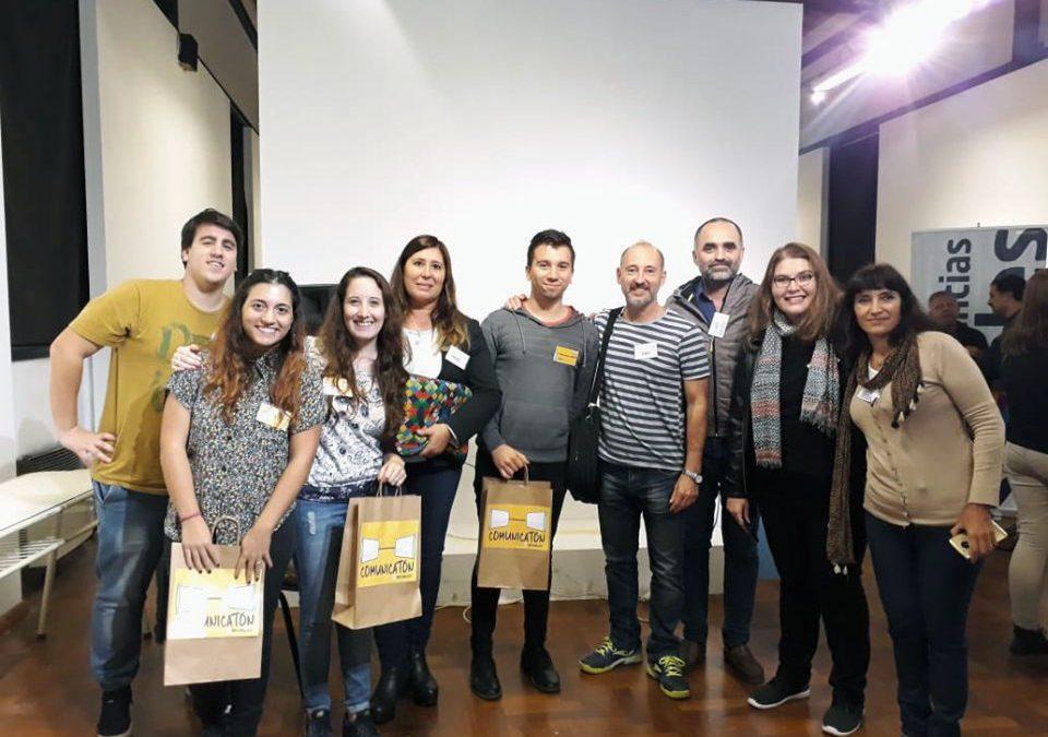 Estudiantes y graduados/as premiados en el COMUNICATON