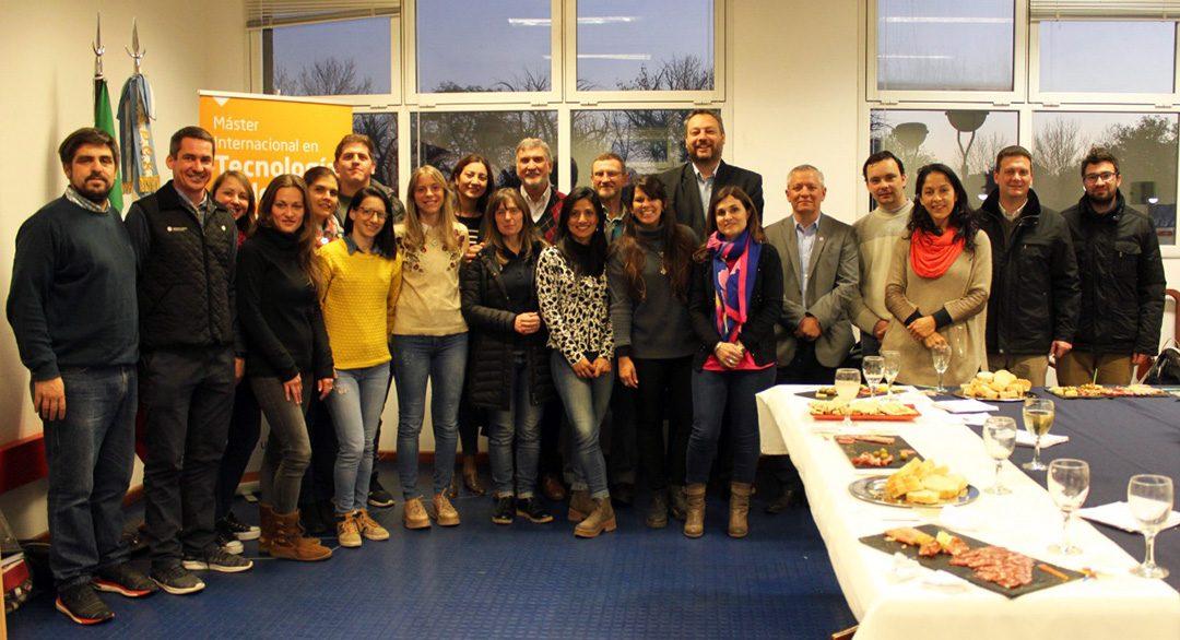 Maestrandos/as en Tecnología de los Alimentos concluyen su cursado